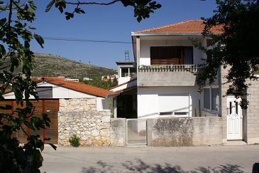 Obiekt Marina (Trogir) - Zakwaterowanie 1162 - Apartamenty blisko morza ze żwirową plażą.