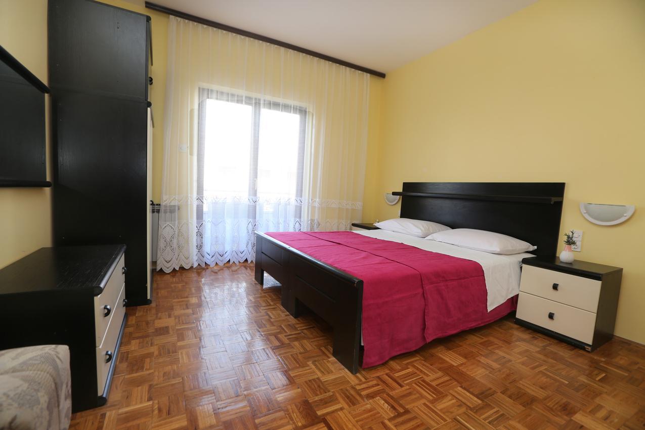 Apartmány s parkoviskom v meste Vodice - 11628