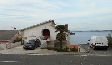 Property Kali (Ugljan) - Accommodation 11639 - Apartments near sea.