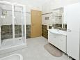 Bathroom 1 - Apartment A-11649-a - Apartments Plano (Trogir) - 11649