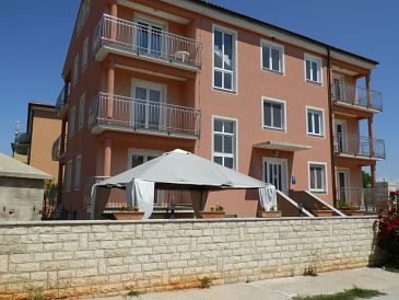 Property Đuba (Umag) - Accommodation 11669 - Apartments with rocky beach.
