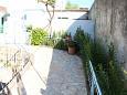 Courtyard Lukoran (Ugljan) - Accommodation 11672 - Apartments near sea with pebble beach.