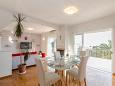 Kaštel Kambelovac, Dining room u smještaju tipa apartment, dostupna klima i WIFI.