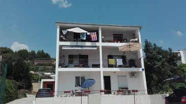Property Podstrana (Split) - Accommodation 11699 - Apartments with pebble beach.