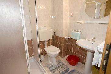 Brela, Bathroom u smještaju tipa studio-apartment, dopusteni kucni ljubimci i WIFI.
