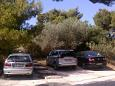 Parking lot Splitska (Brač) - Accommodation 11772 - Apartments with rocky beach.