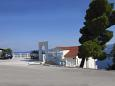 Parking lot Zavode (Omiš) - Accommodation 11786 - Apartments with pebble beach.