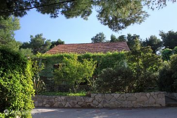 Property Mudri Dolac (Hvar) - Accommodation 118 - Apartments near sea with pebble beach.