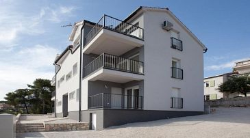Property Trogir (Trogir) - Accommodation 11823 - Apartments with pebble beach.