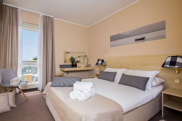 Room S-11870-a - Rooms Vodice (Vodice) - 11870
