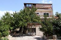 Apartments with a WiFi Okrug Gornji (Čiovo) - 12077