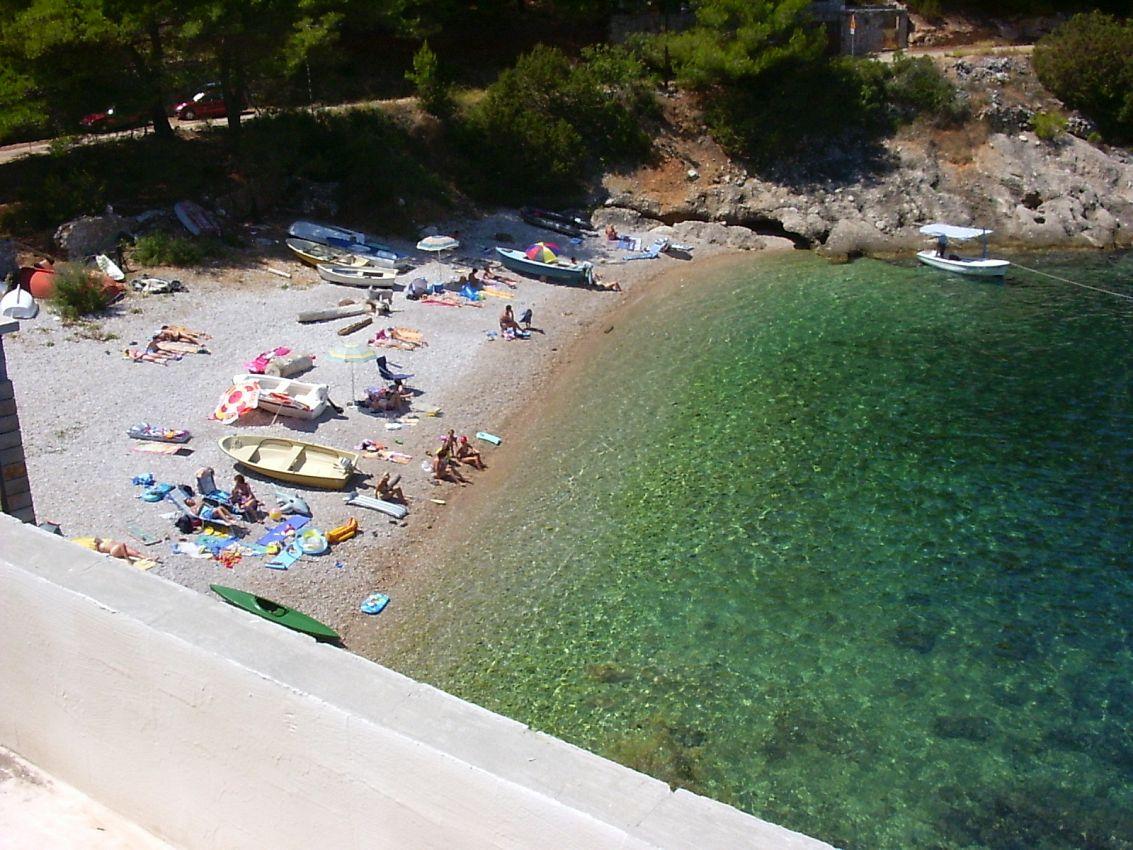 Ubytovanie na pláži v meste Uvala Bristova - 12140