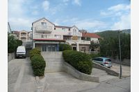 Apartments with a parking space Bol (Brač) - 12474