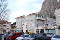 Apartments with a WiFi Omiš - 12525