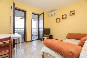 Ravni, Obývací pokoj u smještaju tipa apartment, dostupna klima i WIFI.