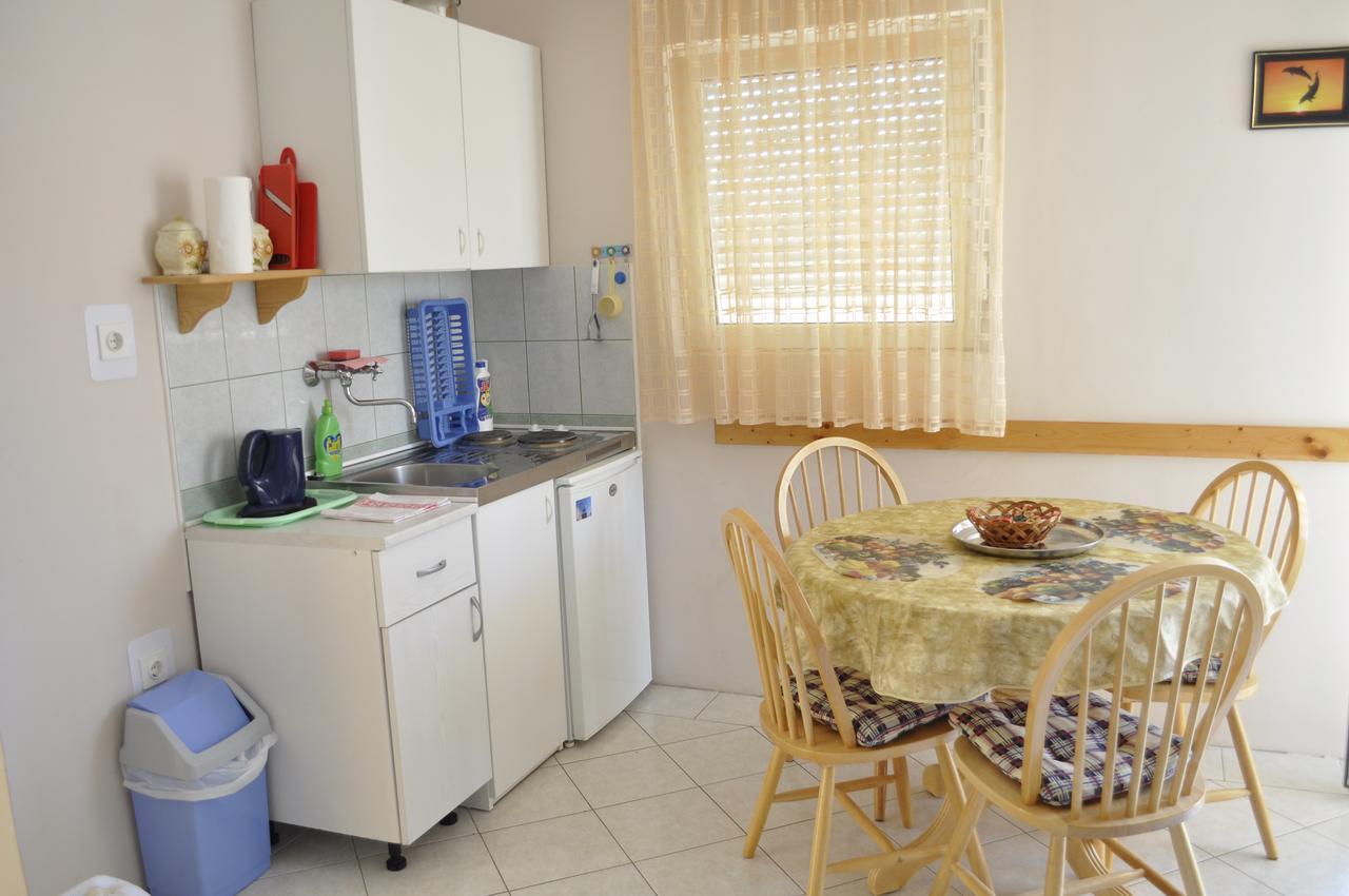 Apartmány s parkoviskom v meste Vir - 13686