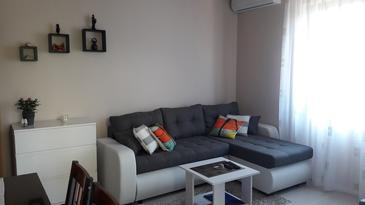 Novigrad, Obývací pokoj u smještaju tipa apartment, dostupna klima i WIFI.