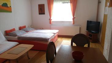 Bilje, Гостиная u smještaju tipa apartment, dostupna klima i WIFI.