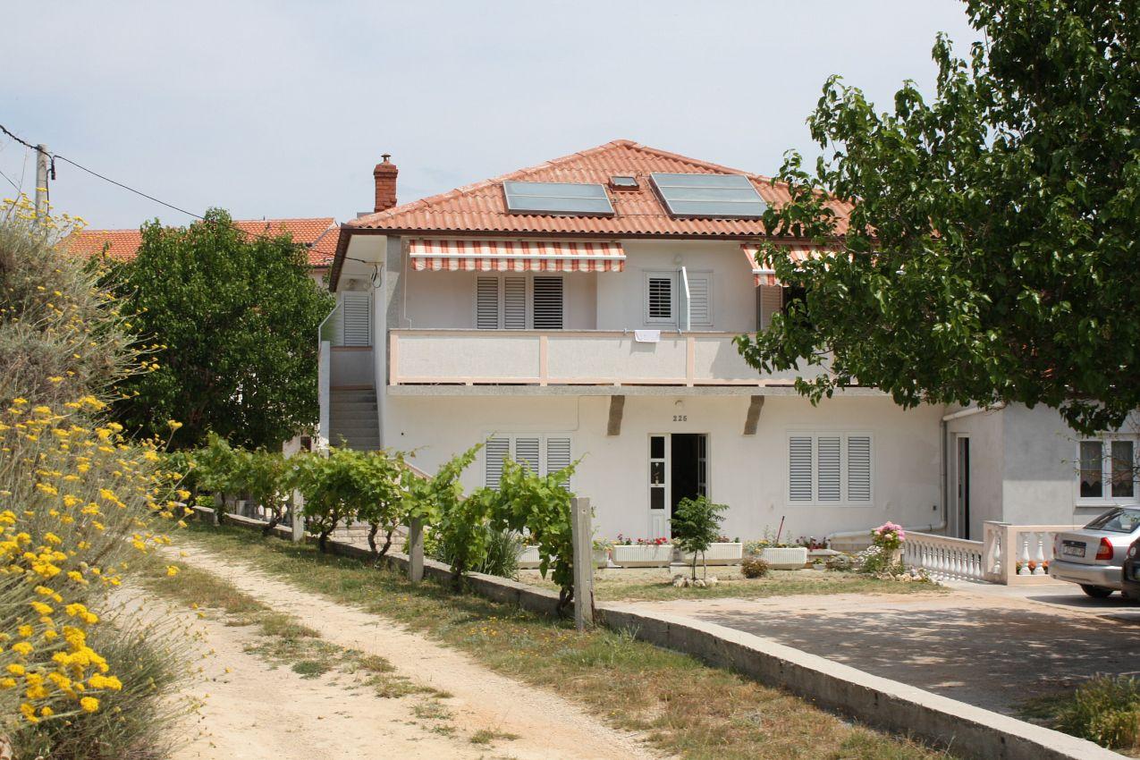 Apartmány s parkoviskom v meste Supetarska Draga - Donja - 2013