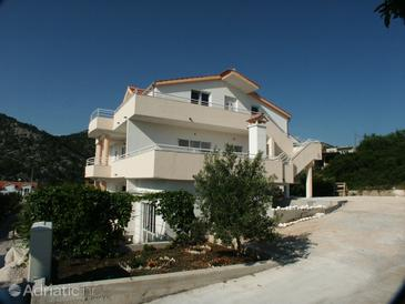 Property Hvar (Hvar) - Accommodation 2064 - Apartments with pebble beach.