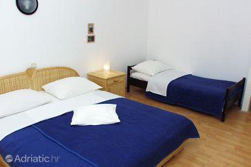 Uvala Pokrivenik, Bedroom u smještaju tipa room, dostupna klima i dopusteni kucni ljubimci.