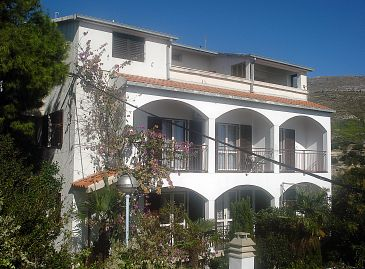 Property Podstrana (Split) - Accommodation 2086 - Apartments near sea with pebble beach.