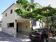 Parking lot Uvala Ljubljeva (Trogir) - Accommodation 2194 - Apartments near sea with pebble beach.