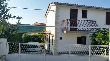 Property Seget Vranjica (Trogir) - Accommodation 2195 - Vacation Rentals near sea with pebble beach.