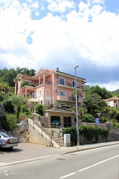 Medveja, Opatija, Property 2305 - Apartments and Rooms blizu mora with pebble beach.