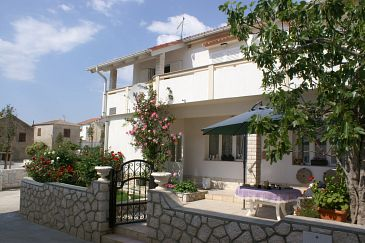 Property Povljana (Pag) - Accommodation 233 - Apartments with sandy beach.