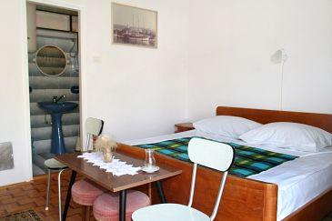 Room S-2350-d - Apartments and Rooms Novi Vinodolski (Novi Vinodolski) - 2350