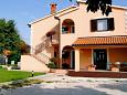 Parking lot Presika (Labin) - Accommodation 2370 - Apartments with pebble beach.
