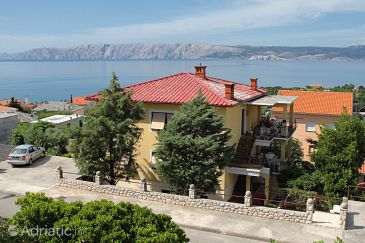 Property Novi Vinodolski (Novi Vinodolski) - Accommodation 2416 - Apartments with pebble beach.