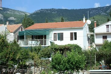 Property Komiža (Vis) - Accommodation 2440 - Apartments near sea with pebble beach.