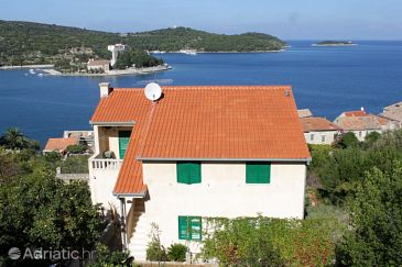 Property Vis (Vis) - Accommodation 2441 - Apartments near sea with pebble beach.