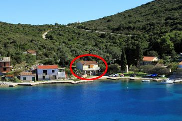 Property Uvala Rogačić (Vis) - Accommodation 2460 - Apartments near sea with pebble beach.