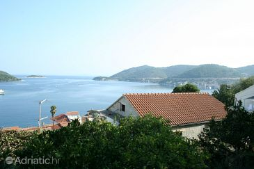 Property Vis (Vis) - Accommodation 2466 - Apartments near sea with pebble beach.