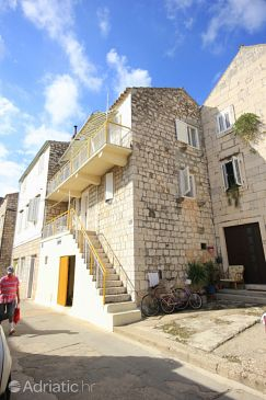 Property Vis (Vis) - Accommodation 2477 - Apartments near sea with pebble beach.