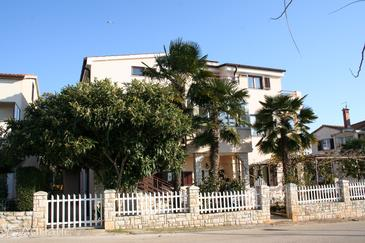 Property Novigrad (Novigrad) - Accommodation 2538 - Apartments and Rooms with pebble beach.