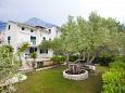 Courtyard Promajna (Makarska) - Accommodation 2588 - Apartments near sea with pebble beach.