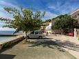 Parking lot Podgora (Makarska) - Accommodation 2596 - Apartments near sea with pebble beach.