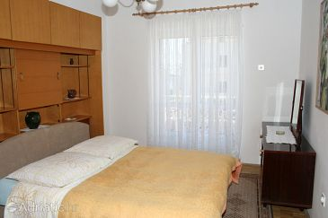 Room S-2640-b - Apartments and Rooms Makarska (Makarska) - 2640
