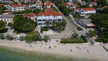 Property Zaostrog (Makarska) - Accommodation 2646 - Apartments and Rooms near sea with rocky beach.