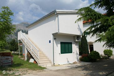 Property Zaostrog (Makarska) - Accommodation 2663 - Apartments near sea with rocky beach.