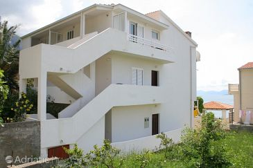 Igrane, Makarska, Property 2680 - Apartments blizu mora with pebble beach.