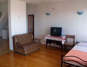 Duće, Living room u smještaju tipa apartment, dopusteni kucni ljubimci i WIFI.
