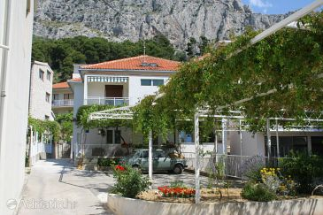 Property Omiš (Omiš) - Accommodation 2745 - Apartments with sandy beach.