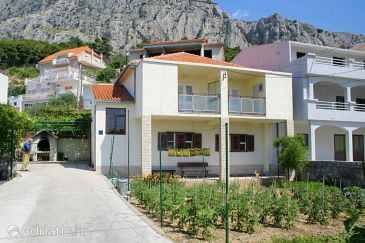 Property Omiš (Omiš) - Accommodation 2751 - Apartments with sandy beach.