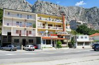 Apartments with a WiFi Omiš - 2757