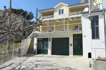 Omiš, Omiš, Obiekt 2760 - Apartamenty z piaszczystą plażą.